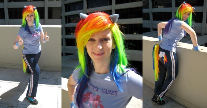 Cosplay: Rainbow Dash, DragonCon Tourist by TempestFae