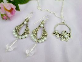Silver set with white pearls by Mirtus63