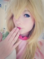 Princess Peach Cosplay by HaruStrawberry