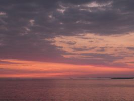 Sunset and the sea by PhotographicJaydiee