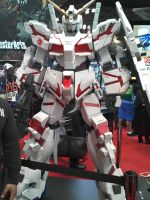 NYCC 2012: Unicorn Gundam by DestinyDecade