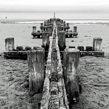 Breakwater+Horizon 1 - Mundesley, Norfolk UK by Coigach