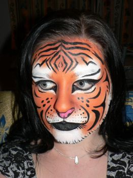 Tiger facepaint by faceswithatwist