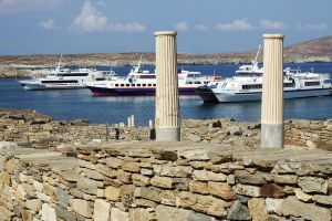 Delos harbour 1 by wildplaces