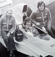 Teddy Mayer |James Hunt | Alastair Caldwell (1975) by F1-history