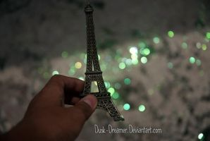 Paris Glow by Dusk-Dreamer