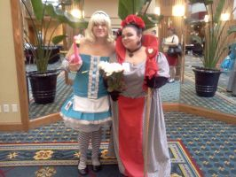 Cosplayers at Roundcon 2 by Kyuubichowderfan