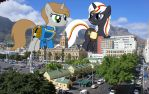 LittlePip and Velvet Remedy in a tiny city by OtterP