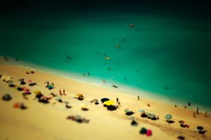 beach miniature by twistingteen