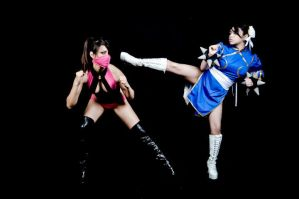 Mileena vs Chun Li by miss-gidget