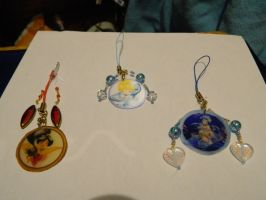 phone charms - Beads and Lens by hachimitsu-ink