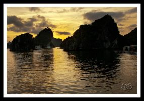 Ha Long Bay - Vietnam - Series: No 19 by SnapperRod