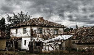 HDR Old Home5 by trmustapha
