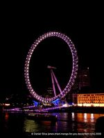 London Eye still sees at night by Dried-Mango-For-You