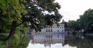 Palace on the water by vampir16