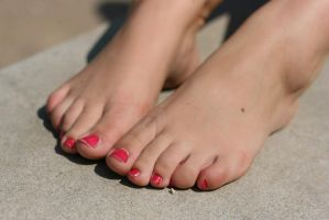 Toes from top by foot-portrait