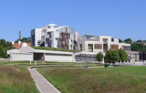 Scottish Parliament, Holyrood by bobswin