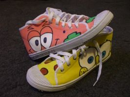 Spongebob shoes by AppolloChan