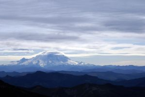 Mt. Rainier by elpez7