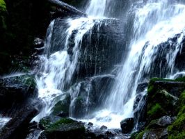 Waterfall 2 by Riemea