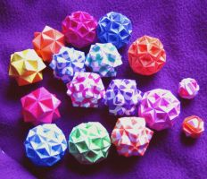 Modular Origami Pile by pandacub143