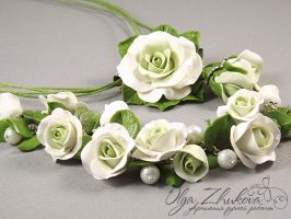 jewelry set with white roses by polyflowers