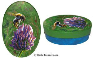 Bumblebee on Clover, OOAK box for sale by rieke-b