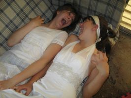 Andi and Sara vamp posing by 3corpses-in-A-casket