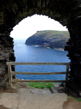 Tintagel castle 10 - June 2016 by MorgainePendragon