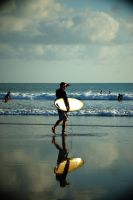 Walking for a good wave by rosewine4