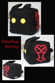 Heartless cube bunny by Lophae
