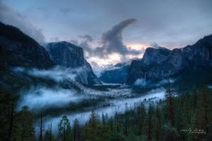 yosemite sunrise by life-flashes