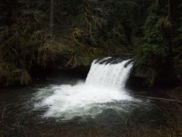 Butte Creek Falls by cheezeaddict