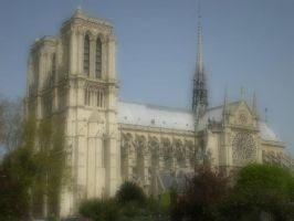 Hear the bells of Notre Dame. by Carrillon