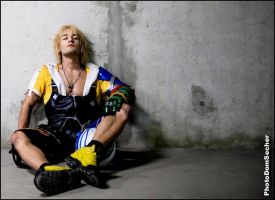 Leon Chiro as Tidus - Final Fantasy X # Heartbeat by LeonChiroCosplayArt