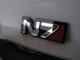 The new N7 bagde in silver mirror acrylic by GringosCustoms
