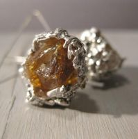 Rough Amber - earrings by Jealousydesign