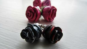 Rose Earrings by damnheliotrope