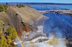 Chute-Montmorency. by Romylyn