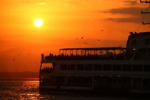 Istanbul sunset. by Tragerus