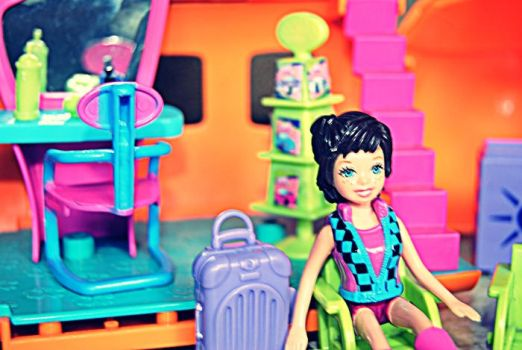 Polly Pocket by adilaschance