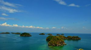 Hundred Islands Philippines by Litratobyberneserose