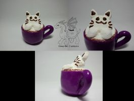 Latte Kitty in a purple cup by Kame-ami