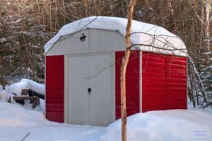 Red shed HDR by digswolf