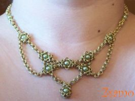 My first chainmail necklace by Zsamo