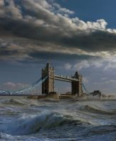 HIGH TIDE AT TOWER BRIDGE by TADBEER