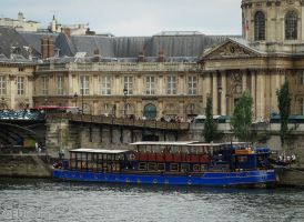 Locks and restaurant boat by EUtouring