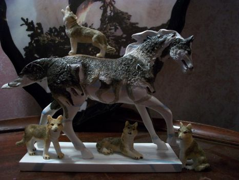 Horses and Wolves Unite by hidalgo86