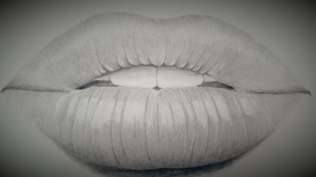 Pencil drawing of lips by dubz002
