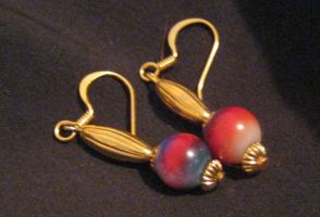 red-purple and gold earrings by Galasdian